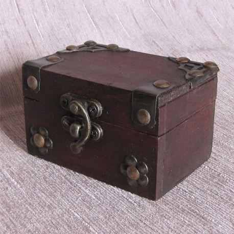 Dřevěná truhlička č.3