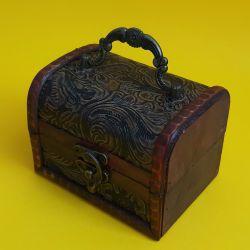 Dřevěná truhlička 36