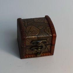 Dřevěná truhlička 01