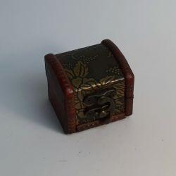 Dřevěná truhlička 02