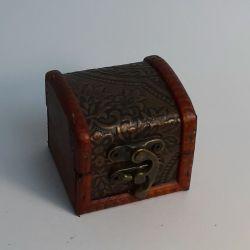 Dřevěná truhlička 03