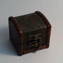 Dřevěná truhlička 04