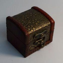 Dřevěná truhlička 06