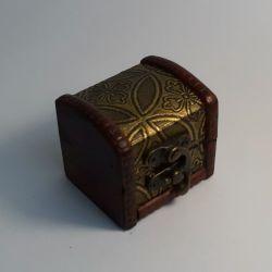 Dřevěná truhlička 07
